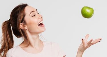 Perchè il tuo sorriso preferisce una mela?